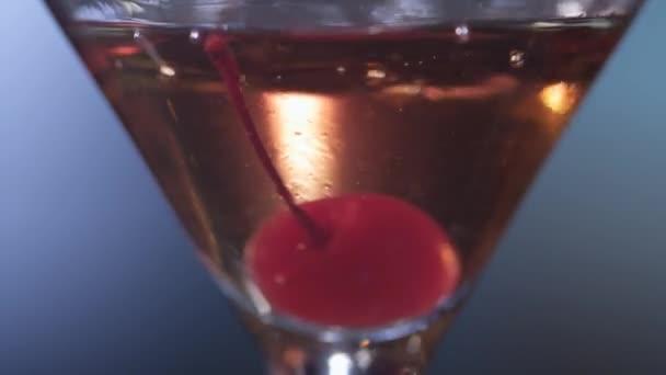 Manhattan roter Cocktail