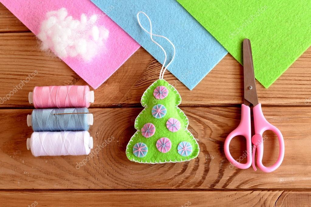 Decoración árbol de Navidad de fieltro artesanal. Ornamento del ...