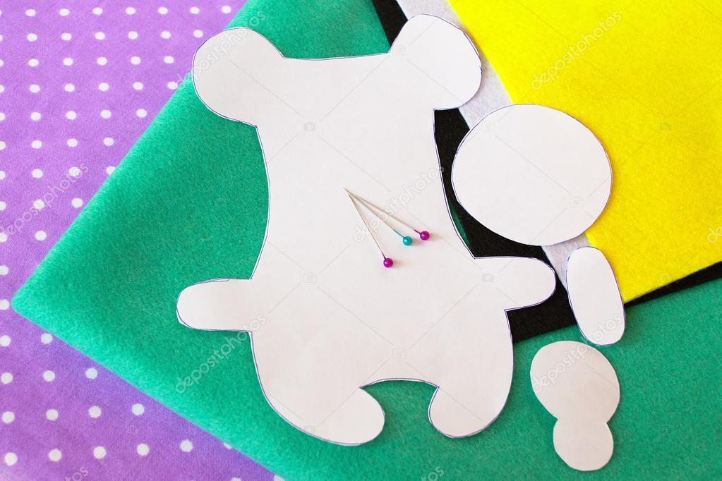 Papier Vorlagen Bären, Blätter, Stifte zu spüren. Wie man einen ...