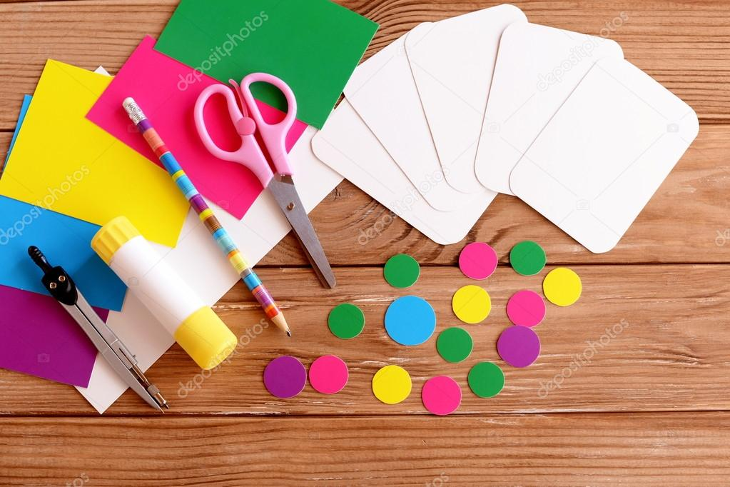 Taglia Fogli Per Ufficio : Tagliare carte e cerchio forbici matita colla fogli di carta