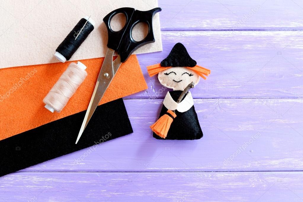 Lustige Halloween Hexe Gemacht Filz Schere Faden Gesetzt Orange