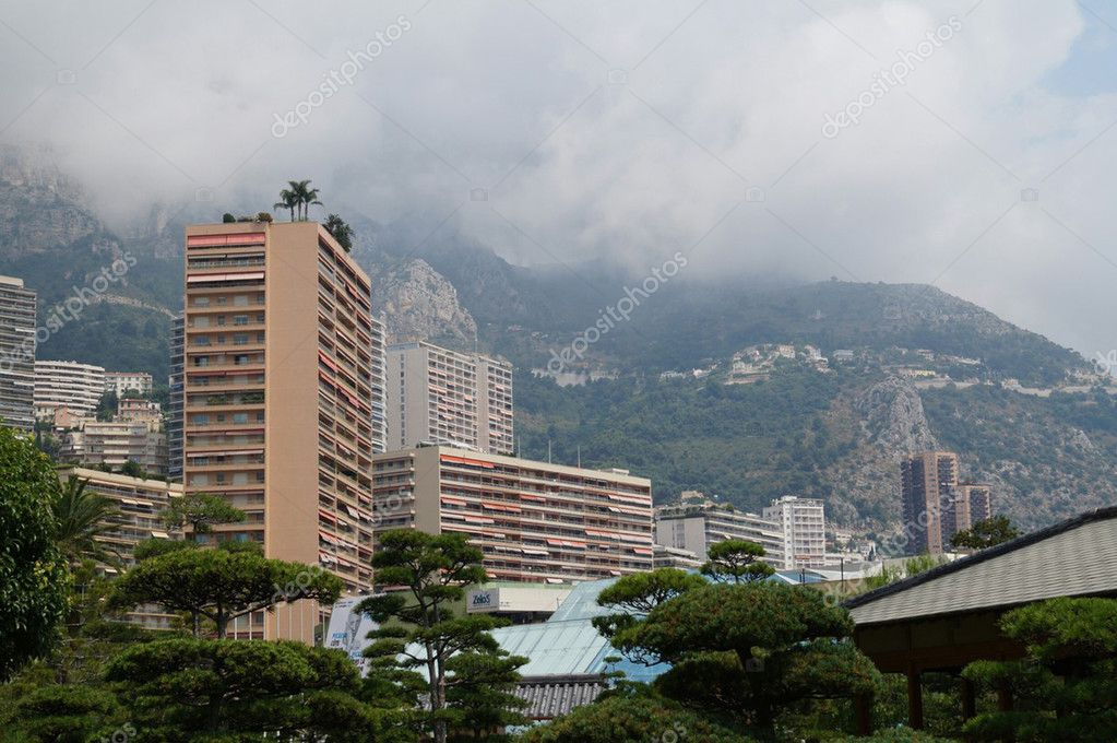 Clouds in Monte Carlo