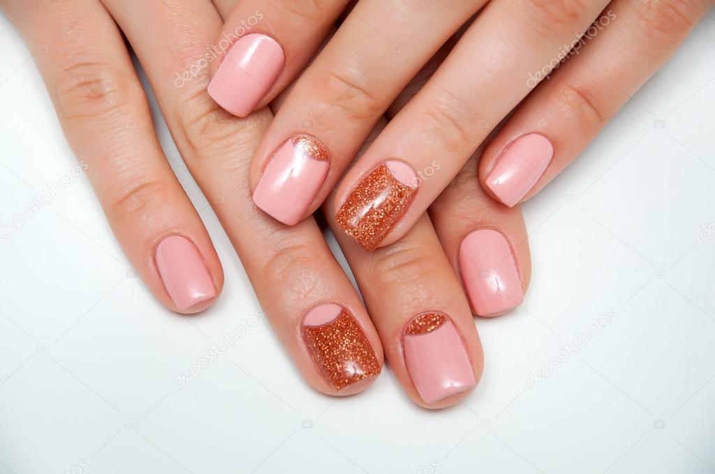 fyrkantiga naglar