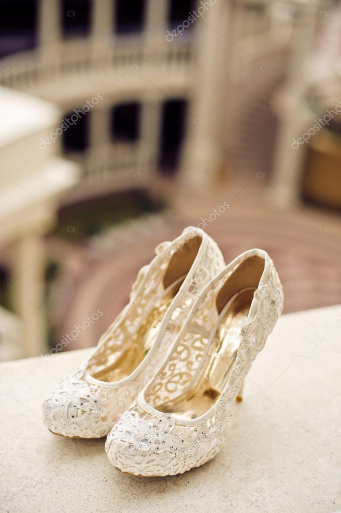 color crema de zapatos de novia — fotos de stock © galitskaya #121451140