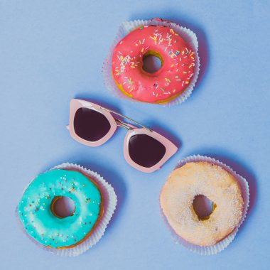 Sunglasses with glazed donuts