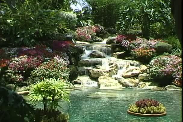 schwimmender Garten im Freizeitpark
