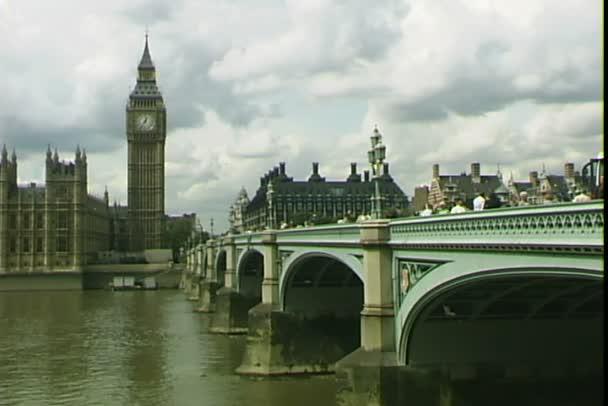 Westminster bridge v Londýně