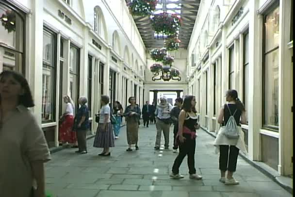 Covent Garden Market in London — Stock Video © WorldClips #123062394