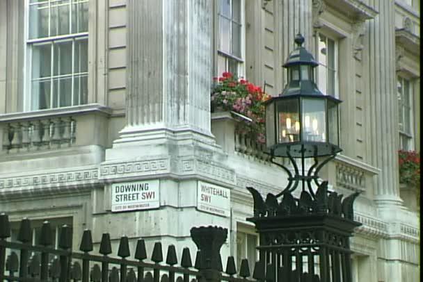 Sign Downing Street v Londýně