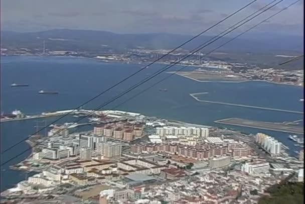 La Lnea de la Concepcion şehir manzaralı Gibraltar