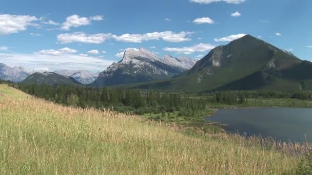 Zinnoberroter See in Kanada