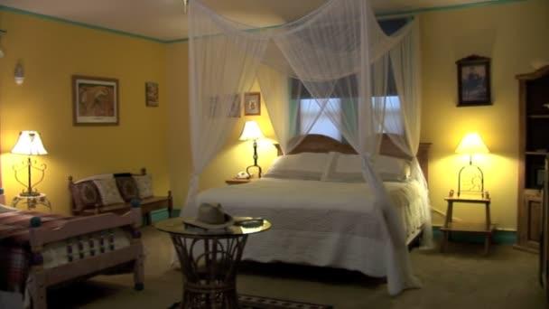 Interiore della stanza in albergo messicano
