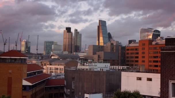 Západ slunce nad městem Londýn