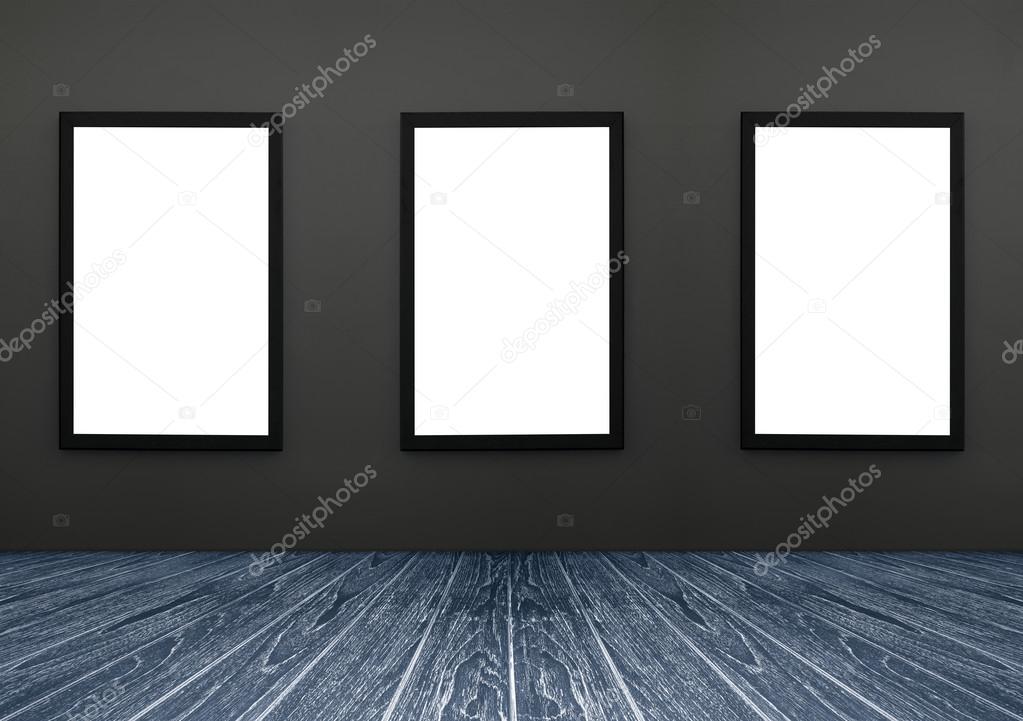 Holzfußboden Isolieren ~ Drei schwarze rahmen hängen eine graue wand weiß zu isolieren
