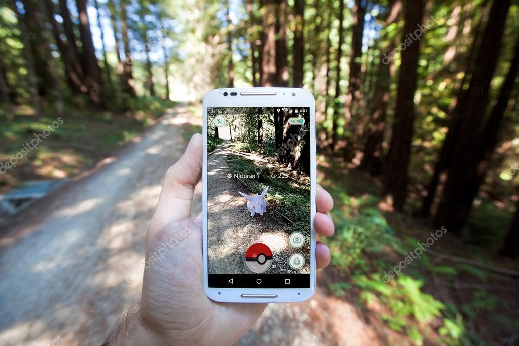 Pokemon GO App Showing Pokemon Encounter