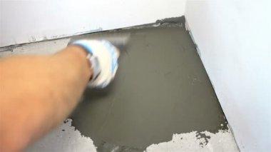 Rivestire una parete con piastrelle