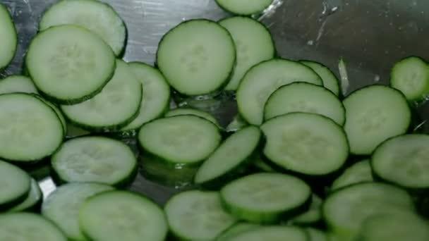 Zár megjelöl szemcsésedik szelet zöld friss uborka