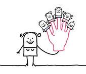 matka s dětmi pěti loutky na prstech