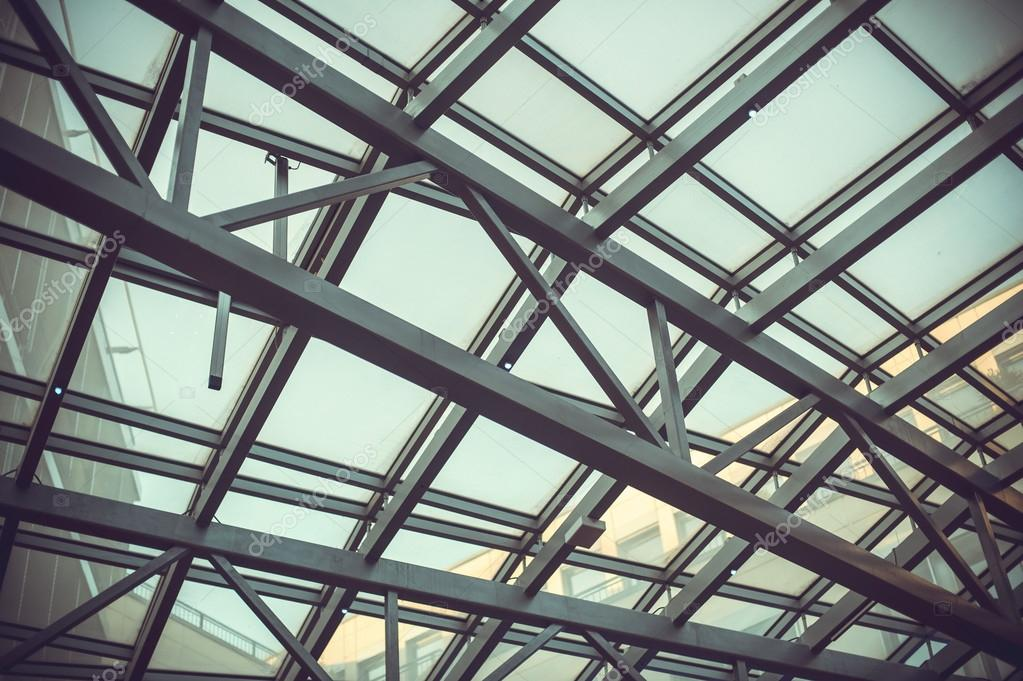 La estructura met lica de la cubierta de vidrio foto de stock lanarus foto 115897498 - Estructura metalica cubierta ...