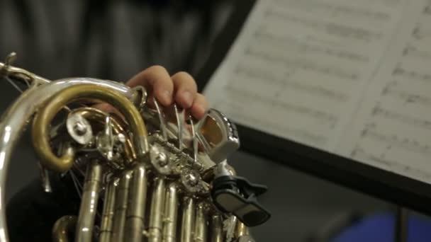 Francia kürt hangszer