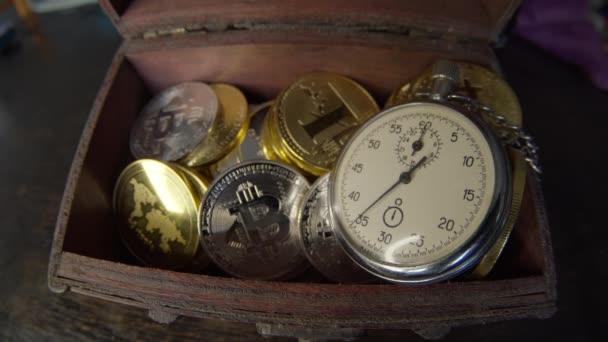 Az idő pénz koncepció. Pénznem vagy készpénzbevétel