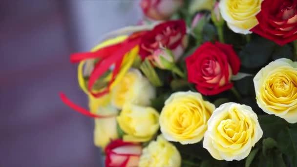 Piros és sárga Rózsa csokor