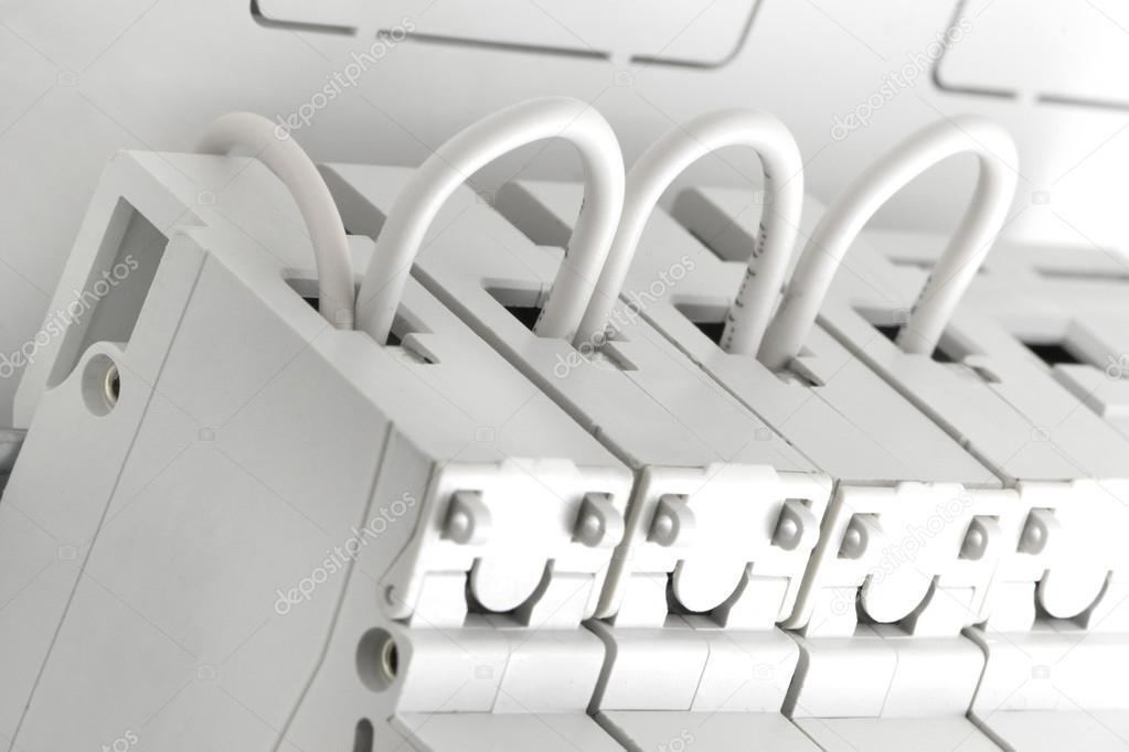 Verdrahten Sie die automatische Leistungsschalter — Stockfoto ...