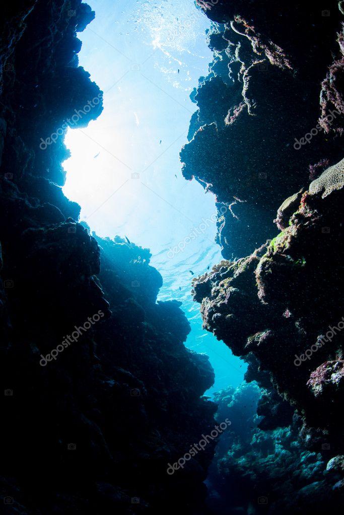 Underwater channel diving