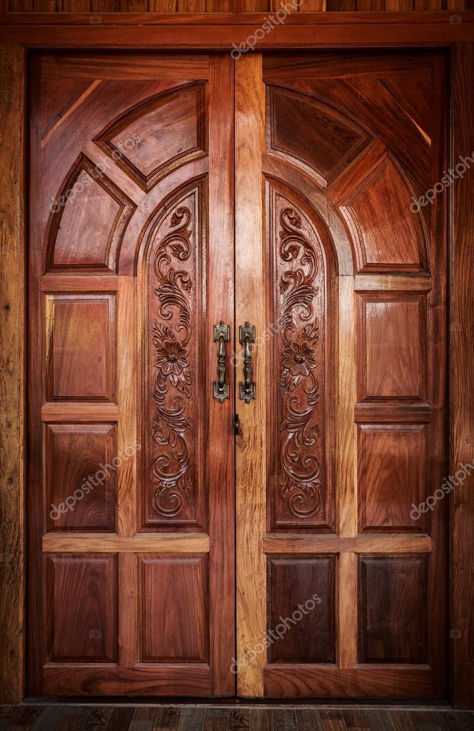 Tur Holz Moderne Wohnaccessoires Stockfoto C Releon8211 122124700