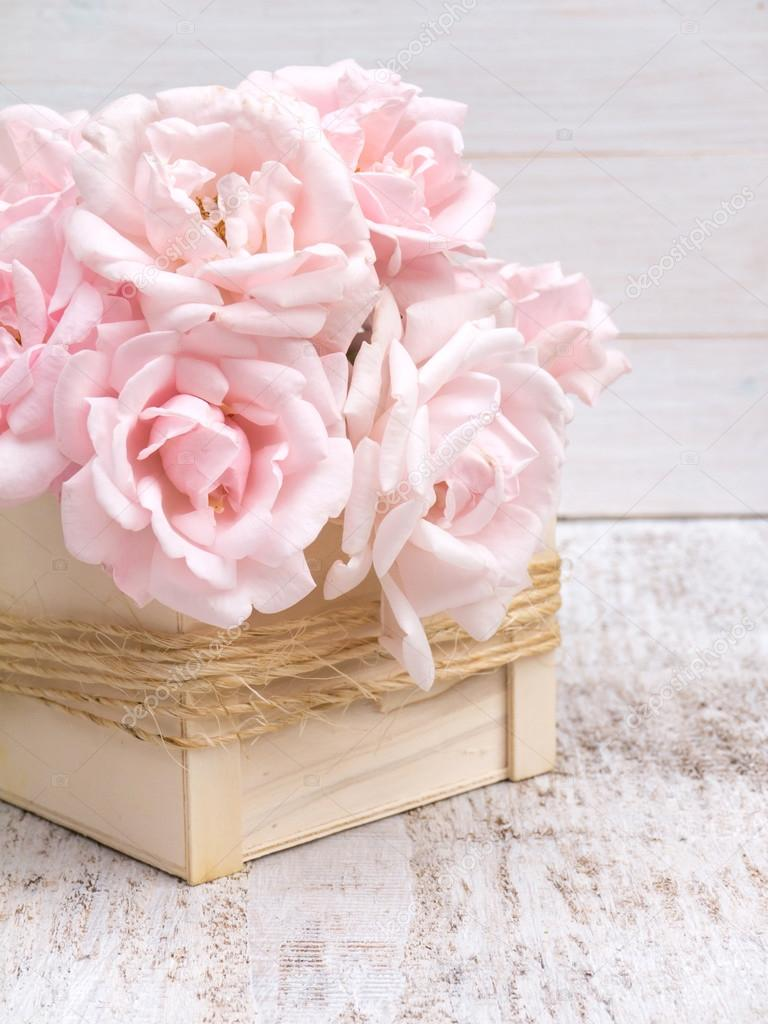 Pale Pink Roses Bouquet In The Wooden Box Stock Photo Image By C Photohampster 124274576