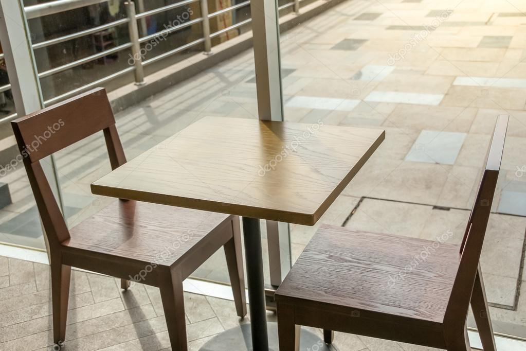 vista superior de cerca de la mesa de centro, mesa de comedor ...