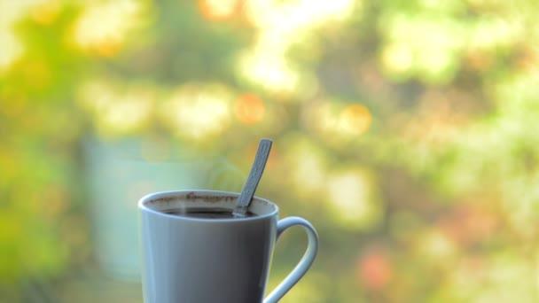 meleg reggeli kávé