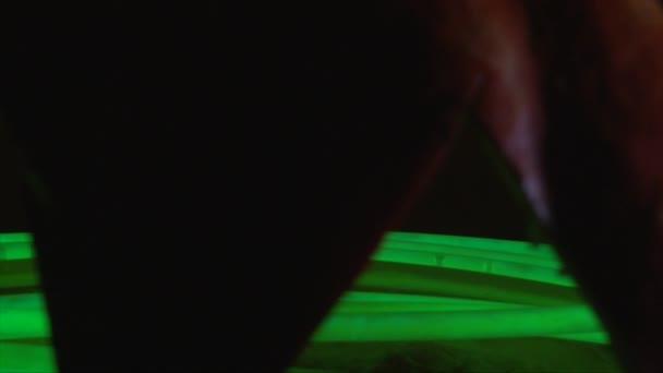 Zelená záře hole v jack o lucernou Halloween dekorace