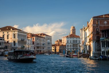 popular tourist destination, Venice