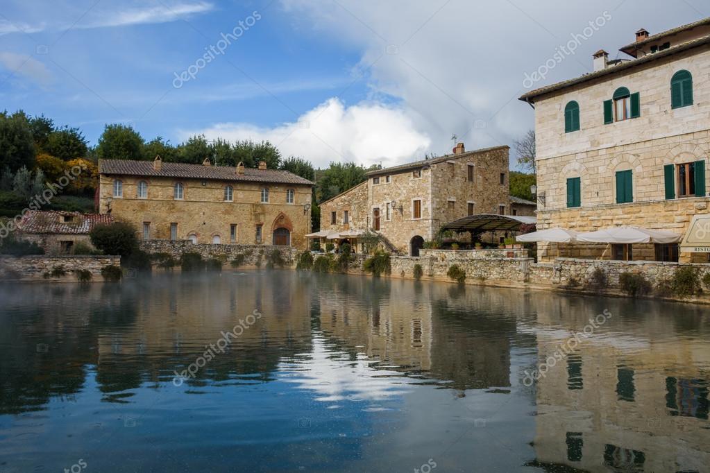 Bagno vignoni toscana stock photo vitormarigo 124277562 - Terme toscana bagno vignoni ...