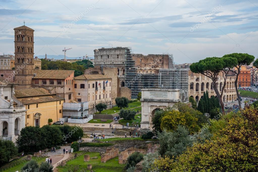 Forum Romano En Roma Antigua Fotos De Stock C Vitormarigo 124311686