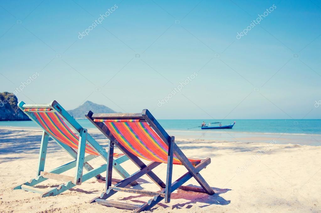 Sdraio Per La Spiaggia.Due Sdraio Sulla Spiaggia Foto Stock C Anatskwong 124526486
