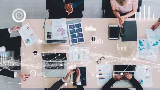 Kreative Visualisierung von Geschäftsleuten in der Mitarbeiterversammlung