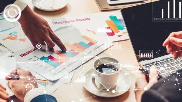 Kreativní vizuální prezentace podnikatelů na firemním setkání zaměstnanců