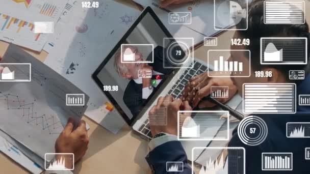 Kreative Visualisierung von Geschäftsleuten in einer Mitarbeiterversammlung per Videoanruf