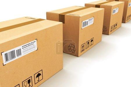 Photo pour Expédition, logistique et livraison au détail concept d'entreprise commerciale : rangée de boîtes en carton ondulé isolées sur fond blanc - image libre de droit