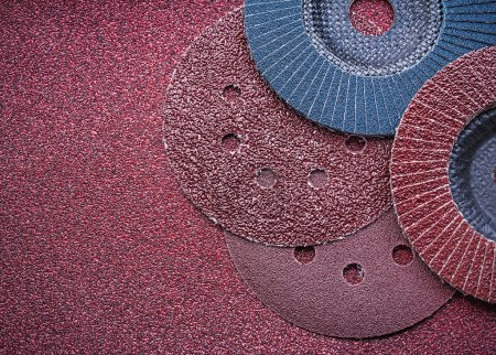 Abrasive discs and flap grinding wheels