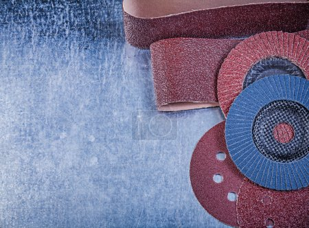 Emery paper, abrasive discs and wheels