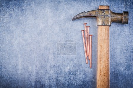 Claw hammer and construction nails