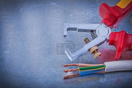 Insulated strippers and electric wires