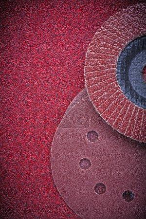 Flap grinding wheels and sanding discs