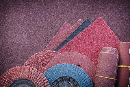 Heap of abrasive materials