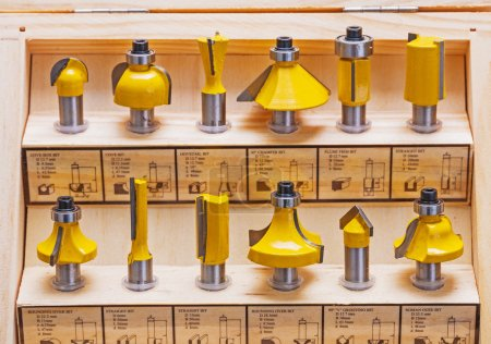 Set of roundover router bits