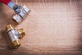 Kulový ventil a potrubí konektor