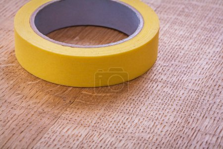 Single yellow duct tape